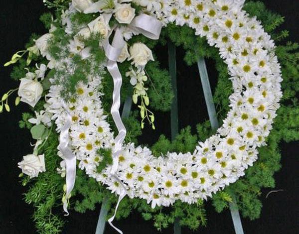 Cách thức mua hoa tang lễ Quận 10 đơn giản tại Shop Hoa Nhi Nhi